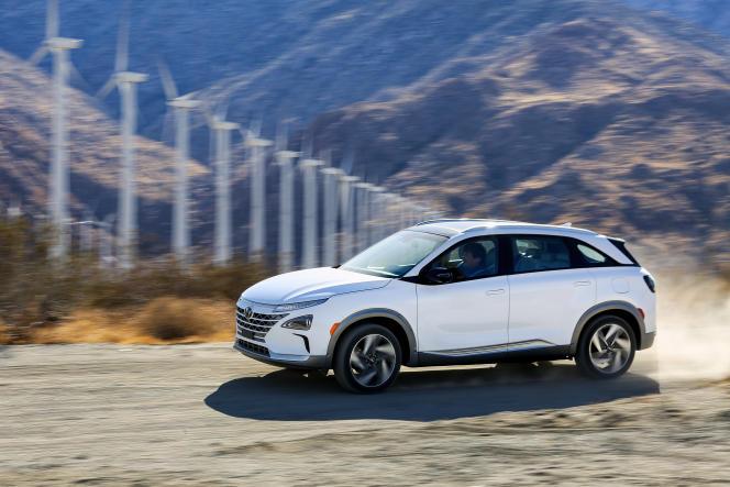 Le Hyundai Nexo vendu 72 000 euros est équipé d'unepile à combustible alimentée à l'hydrogène.