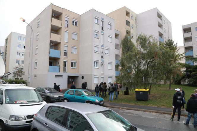 Le 3 octobre à Creil, dans l'Oise, après l'arrestation de Redoine Faïd le matin même dans cet immeuble.