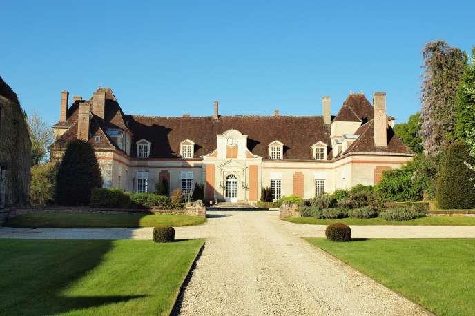 Le château du Feÿ à Villecien dans l'Yonne, en avril 2017.