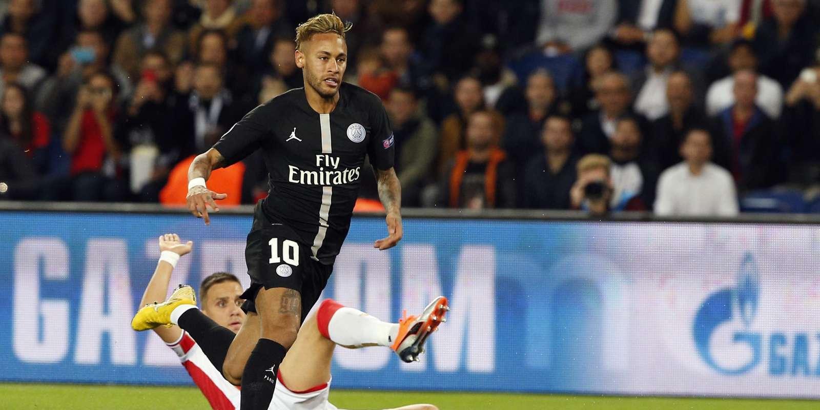 Neymar a inscrit trois buts face à l'Etoile rouge de Belgrade.