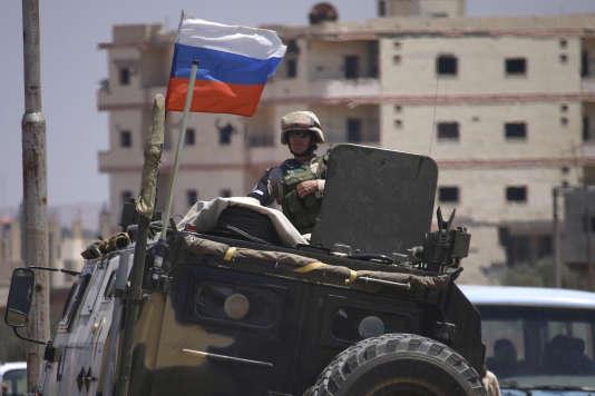 Une patrouille de l'armée russe à Deraa, en juillet.