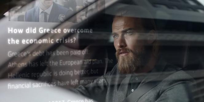 L'AEX (Augmented Editorial Experience) de Renault permettra d'afficher des textes et visuels sur les fenêtres de la voiture autonome.
