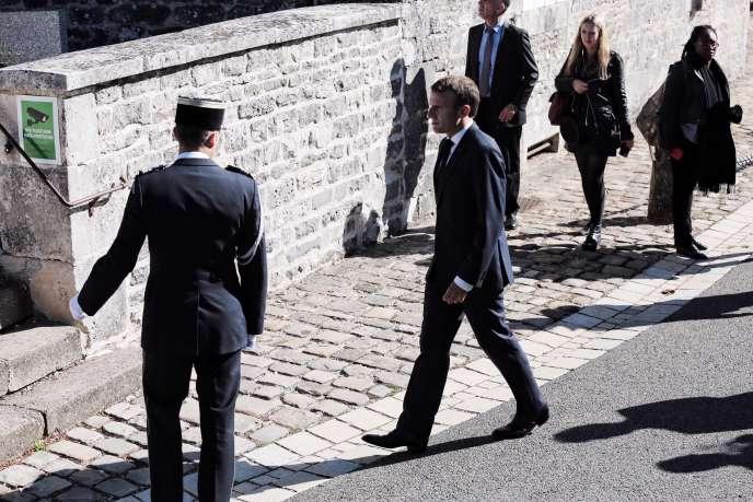 Emmanuel Macron, lors du 60e anniversaire de la Constitution, à Colombey-les-Deux-Eglises, jeudi 4 octobre.