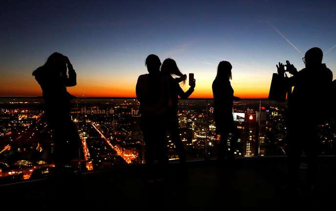 Depuis le toit de la «Main tower» de Frankfurt, en Allemagne, le 4 octobre.