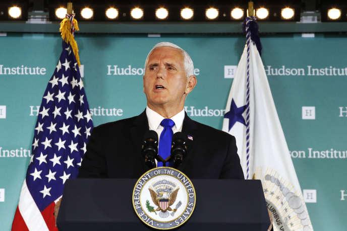 Le vice-président Mike Pence a accusé la Chine de vouloir intervenir dans les affaires intérieures des Etats-Unis, à Washington, le 4 octobre.