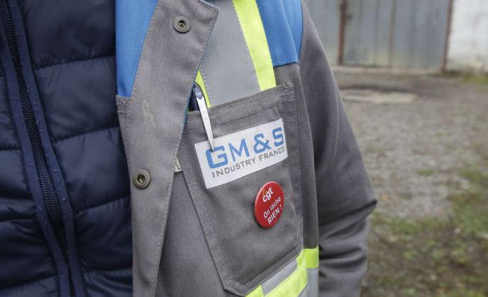 Un salarié de l'équipementier automobileGM&S , à La Souterraine (Creuse), le 16 septembre 2017.