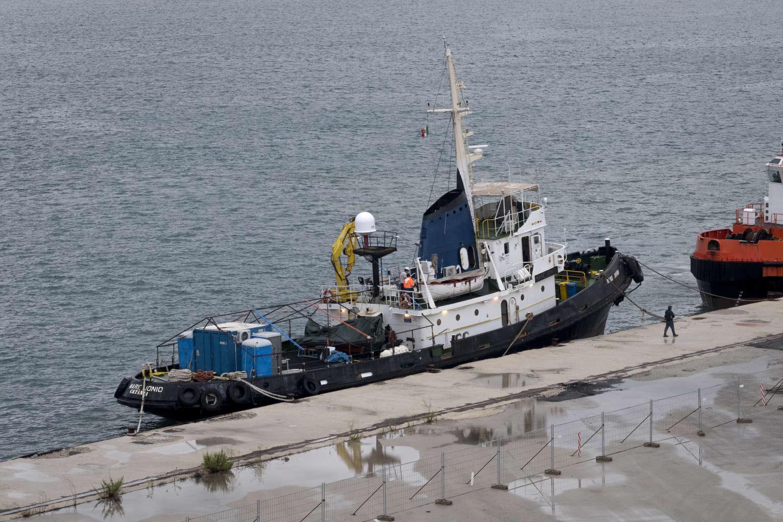 Le « Mare-Ionio » dans le port d'Augusta, en Sicile, début octobre. Crédits : Francesco Bellina / Cesura