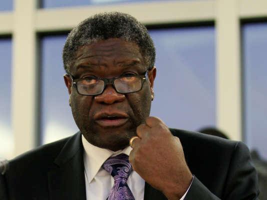 L'autre récipiendaire du prix Nobel de la paix, Denis Mukwege est connu pour sa pratique de la chirurgie réparatrice auprès des femmes victimes de viol de guerre en République démocratique du Congo.