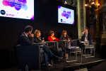 Luc Bronner, Michèle Léridon, Léa Salamé, Céline Pigalle, et Alexendre Piquard débate de l'information sous la présidence d'Emmanuel Macron au Palais Garnier lors du festival du Monde, samedi 6 octobre.