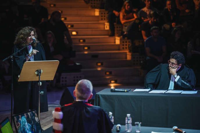 Le (faux) procès d'un citoyen qui a décidé de dire non à l'Etat, le 6 octobre, lors de l'édition 2018 du Monde Festival, à l'Opéra Bastille, à Paris.