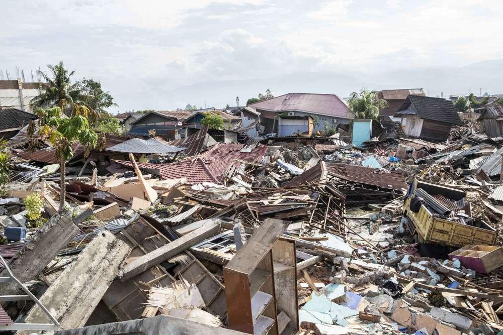 Le quartier de Balaroa, à Palu, a été détruit par un phénomème de liquéfaction. Le sol saturé d'eau est devenu liquide sous l'effet des secousses sismiques.