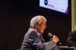 Paulo Paranagua et Mario Vargas Llosa lors du Monde Festival 2018 au Palais Garnier à Paris, le samedi 6 octobre.