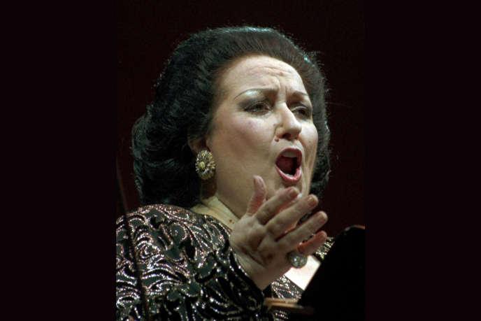 Montserrat Caballé, en scène à Dresde (Allemagne), en septembre 1996.
