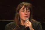 Juliette Armanet au Théâtre des Bouffes du Nord à Paris, le samedi 6 octobre, lors d'une rencontre du Monde Festival.