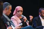 """Nadia EL Bouga pendant la conférence """"L'islam doit-il faire sa révolution sexuelle ?"""", le 7 octobre lors de l'édition 2018 de """"Le Monde Festival"""" au à l'Opera Bastille à Paris. Lucas Barioulet pour Le Monde"""