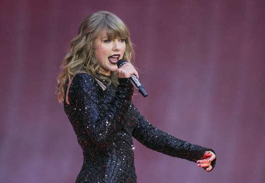La chanteuse Taylor Swift, lors d'un concert au stade Wembley de Londres, le 22 juin.