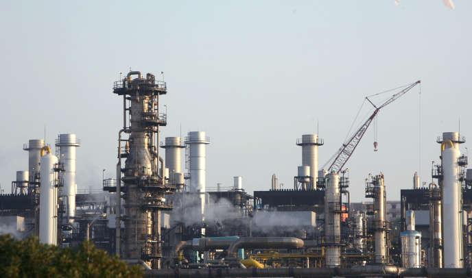 Une usine de liquéfaction de gaz à Arzew, en Algérie, en 2007.