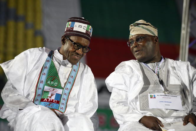 Muhammadu Buhari (à gauche) et Atiku Abubakar lors d'une primaire de l'All Progressives Congress, à Lagos, en décembre 2014.