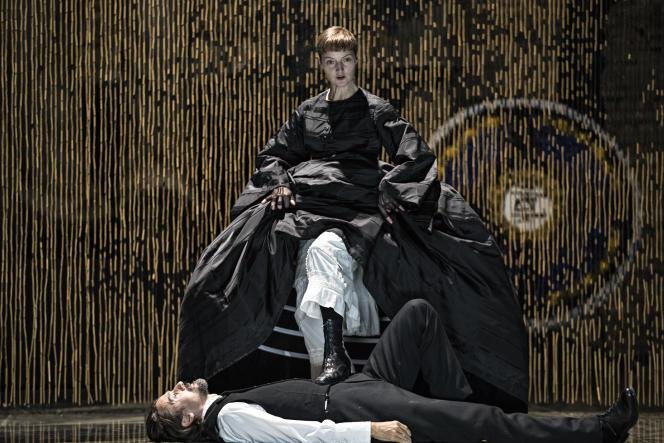 Jutta Johanna Weiss (Ysé) et Stanislas Nordey (Mesa) dans« Partage de midi», de Paul Claudel, mis en scène par Eric Vigner.