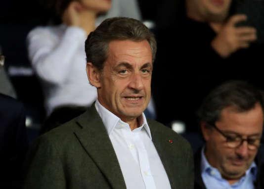 Nicolas Sarkozy dans les tribunes du Parc des Princes, à Paris, le 18 septembre.