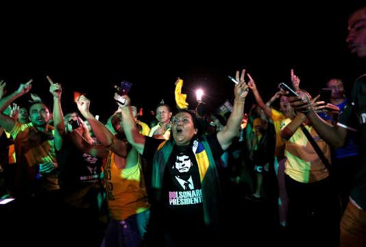 Des partisans de Jair Bolsonaro, le 7 octobre à Brasilia.