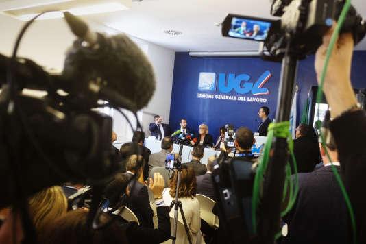 Le ministre de l'intérieur italien, Matteo Salvini, et Marine Le Pen, lors de leur conférence de presse, à Rome, le 8 octobre.