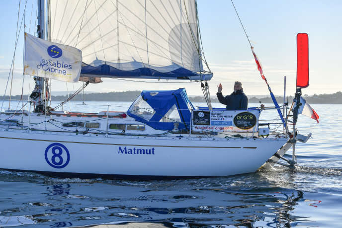 Le Français Jean-Luc Van den Heede (« Matmut »), à son arrivée en baie de Storm au sud de la Tasmanie le 5octobre 2018, est le leader premier de la Golden Globe Race.