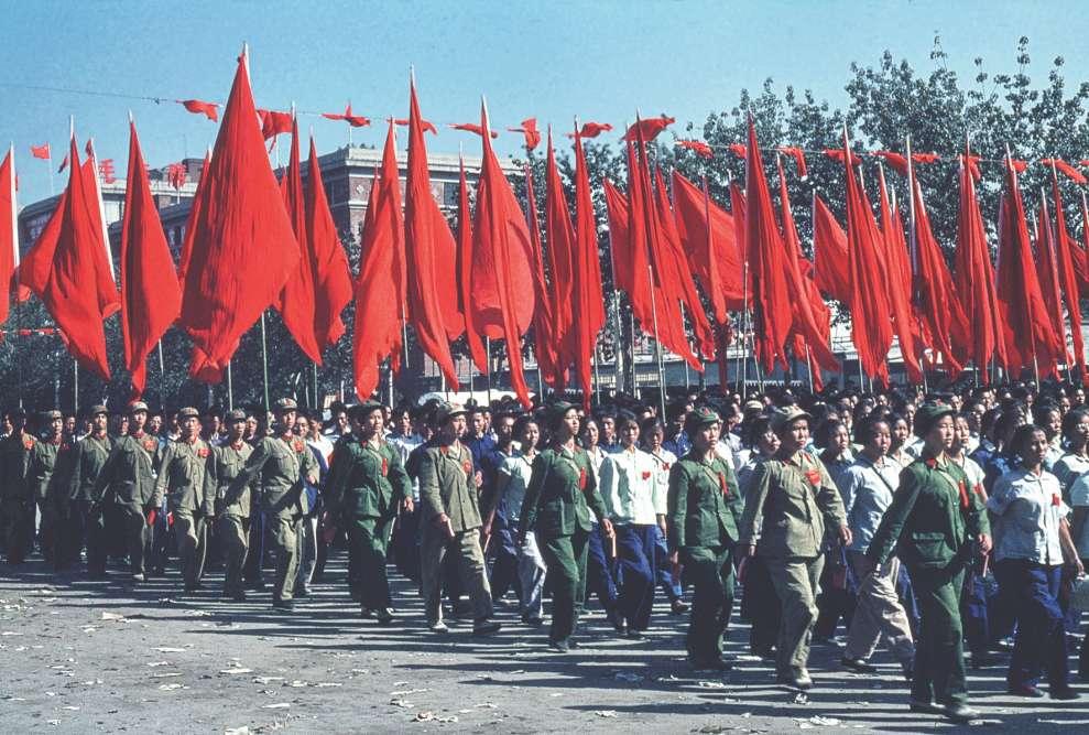 Défilé lors de la fête nationale chinoise, en pleine Révolution culturelle, à Pékin, le 1er octobre 1966.