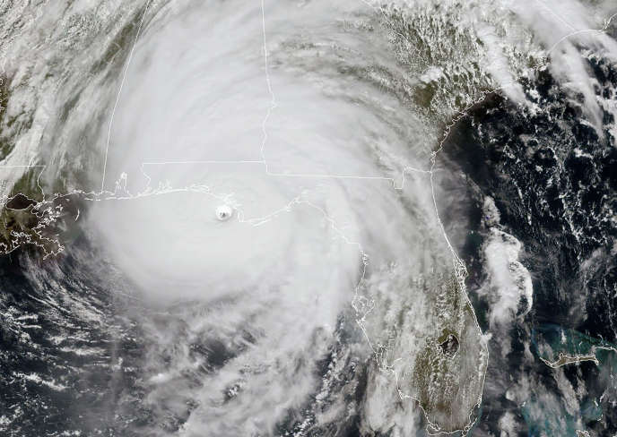 L'œil du puissant ouragan Michael, proche de la catégorie maximale 5 avec des vents renforcés à 250km/h, a atteint les côtes de la Floride mercredi soir.