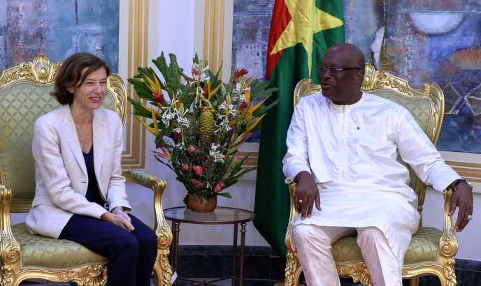 La ministre française des armées, Florence Parly, et le président burkinabé, Roch Marc Christian Kaboré, à Ouagadougou, le 19juillet 2018.