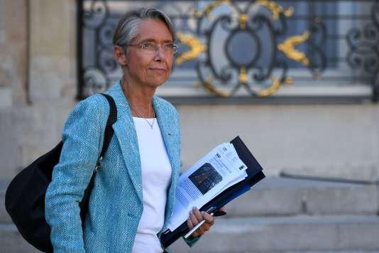 La ministre des transports Elisabeth Borne, à la sortie de l'Elysée, le 10 octobre.