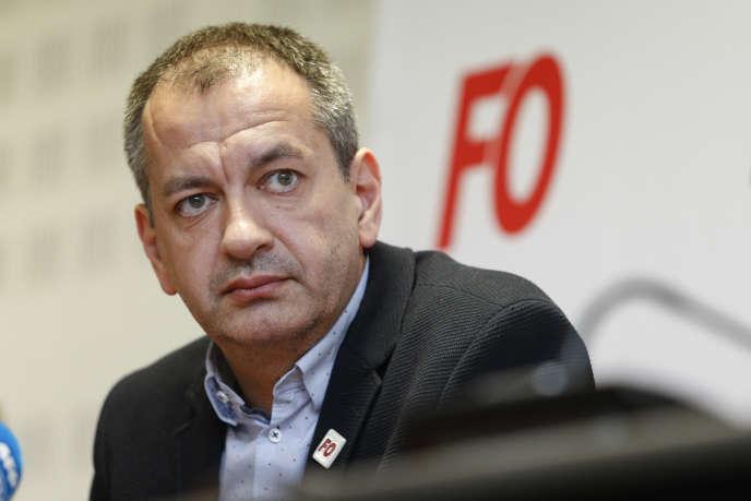 Pascal Pavageau, lors d'une conférence de presse au siège de Force ouvrière, le 1er mai.