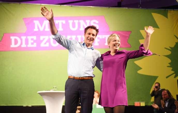 Katharina Schulze et Ludwig Hartmann, candidats écologistes aux élections en Bavière, à Munich, le 7 octobre.