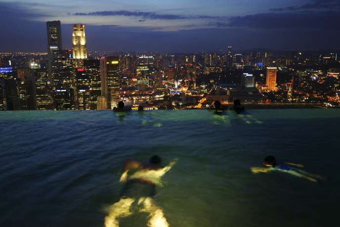 Singapour est la destination favorite des expatriés dans le monde (Photo: Singapour la nuit vue de l'Hôtel Marina Bay Sands).