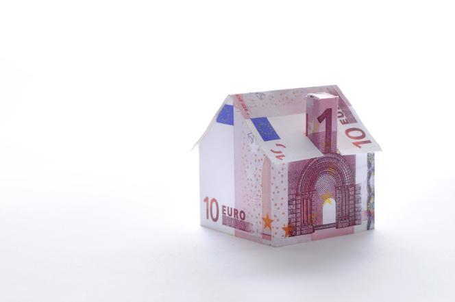 La polémique autour des taxes d'habitation en hausse dans certaines communes devrait aussi alimenter les débats, le gouvernement rejetant la responsabilité sur les édiles.
