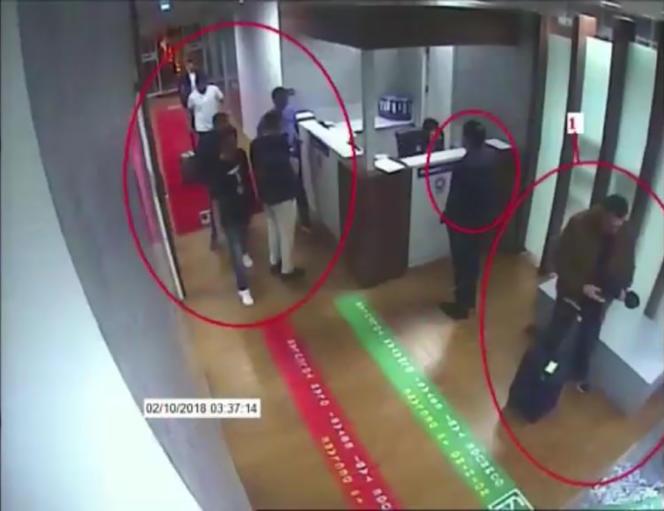 Une capture écran extraite de la vidéosurveillance, publiée par le journal turc «Sabah» le 10 octobre, montre des hommes suspectés d'avoir participé à la disparitionde Jamal Khashoggi à l'aéroport Ataturk d'Istanbul, le 2 octobre.