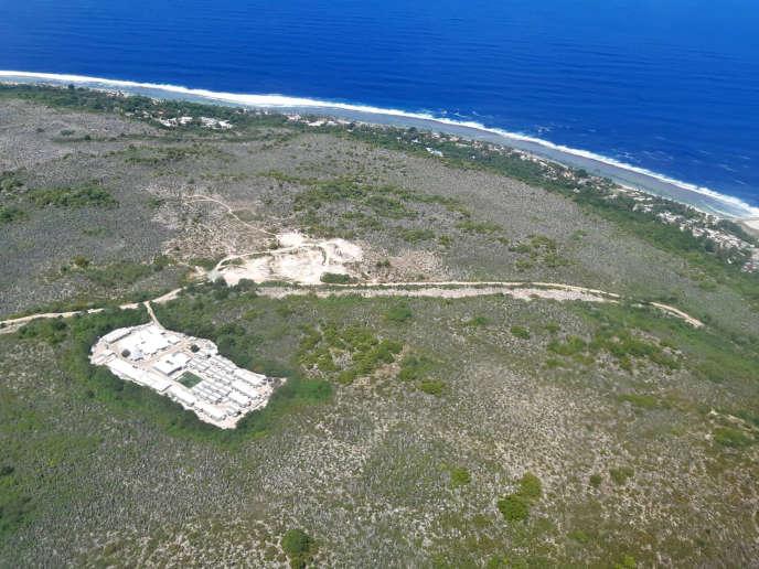 Photo aérienne d'un camp sur l'île de Nauru, fournie par Médecins sans frontières.