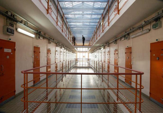 Vue des coursives de la prison prise le 31 janvier 2006 à la centrale de Clairvaux. Dans une lettre rendue publique la semaine dernière, dix condamnés à perpétuité de Clairvaux, se disant