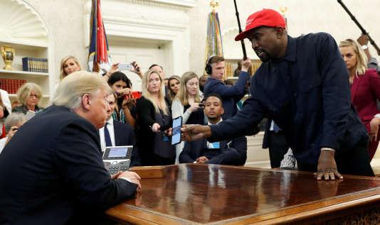 Donald Trump recevant Kanye West, jeudi11 octobre, à la Maison Blanche.