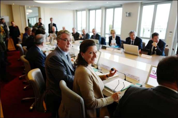 Agnès Buzyn, ministre des solidarités et de la santé, et Jean-Paul Delevoye, haut commissaire à la reforme des retraites, à Paris, le 10 octobre.