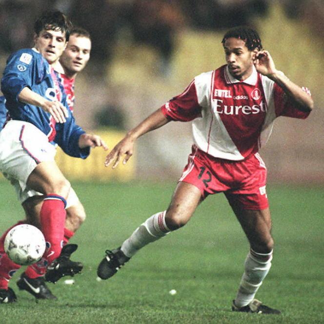Thierry Henry, le 26 janvier 1997 au stade Louis-II à Monaco, lors d'une rencontre face au PSG.