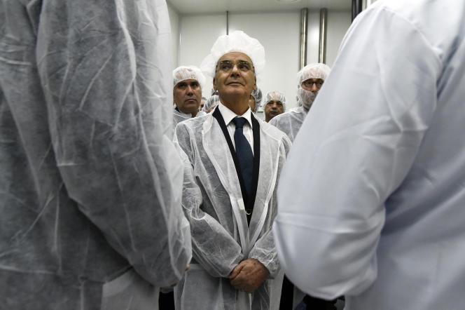 Le ministre algérien de l'industrie, Youcef Yousfi, lors de l'inauguration de l'usine de Sanofi à Sidi Abdallah, le 11octobre 2018.
