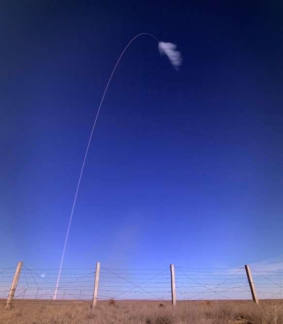 «Problème de lanceurs, deux minutes 45secondes», peut-on entendre dire d'une voix parfaitement calme le cosmonaute Alexeï Ovtchinine, au centre de commandement.Au moment de l'incident, Nick Hague et Alexeï Ovtchinine voyageaient à près de 7563 km/h et se trouvaient à 50 km d'altitude, selon la NASA.
