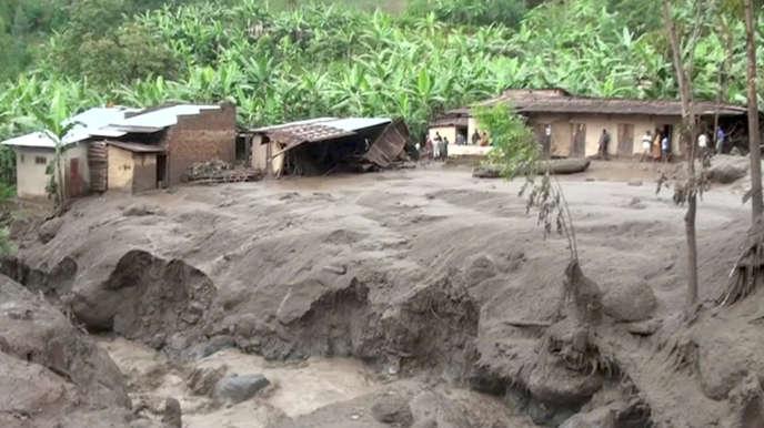 A Bududa, après un glissement de terrain, le 12 octobre.