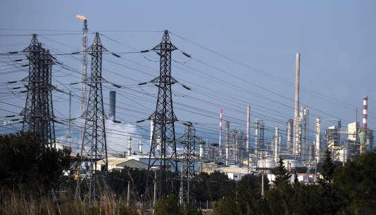 Un site industriel pétrochimique à Martigues (Bouches-du-Rhône), en 2012.