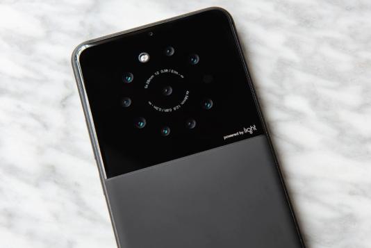 Un prototype de smartphone doté de neuf capteurs photo.
