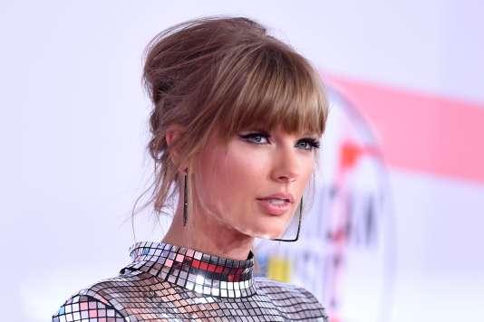 La chanteuse Taylor Swift lors des American Music Awards, à Los Angeles, le 9 octobre.