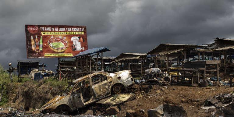 Au bord d'un marché abandonné dans la province anglophone du Sud-Ouest, à Buéa, le 3 octobre.