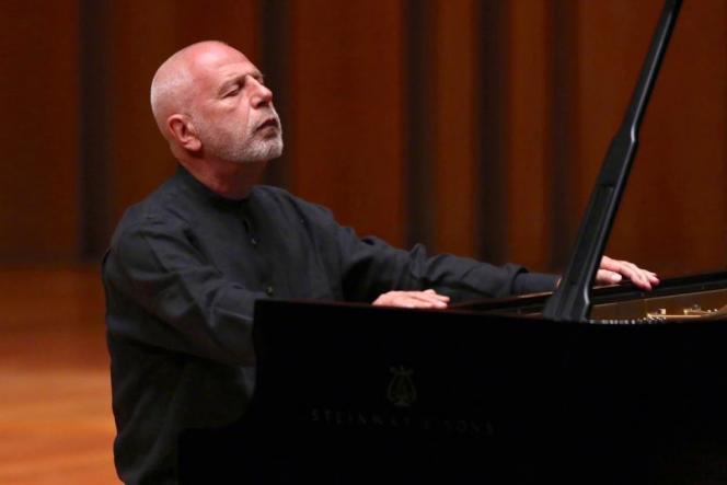 Le pianiste Vladimir Feltsman lors d'un concert à Pékin en avril 2018.