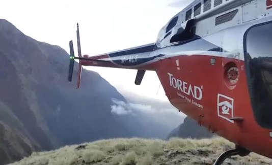 L'hélicoptère des secours a pu se poser près du site où l'expédition sud-coréenne a trouvé la mort.